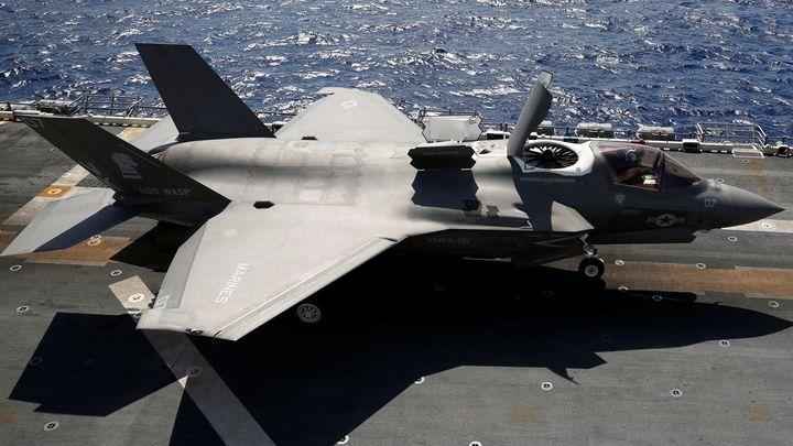 Новият стелт изтребител Ф-35Б с вертикално излитане и кацане, приет на въоръжение от морската пехота на САЩ.