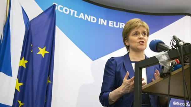 Стърджън смята, че посещението на Джонсън в Шотландия не е наложително