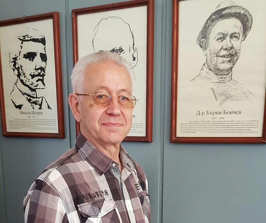 Проф. Жан Гологанов във Видинската математическа гимназия, Снимка: Росен Ракаджиев