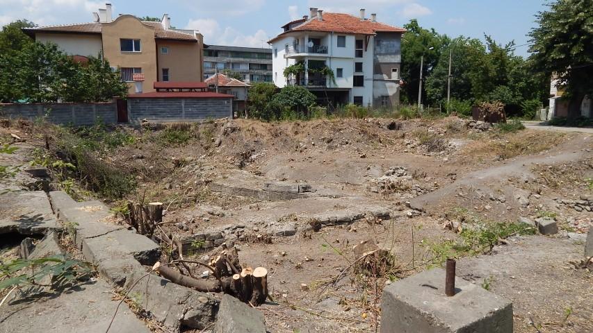 Останки от крепостна стена на Бонония