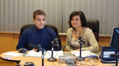 """Александър Янев и Нина Цанева в студиото на програма """"Христо Ботев""""."""