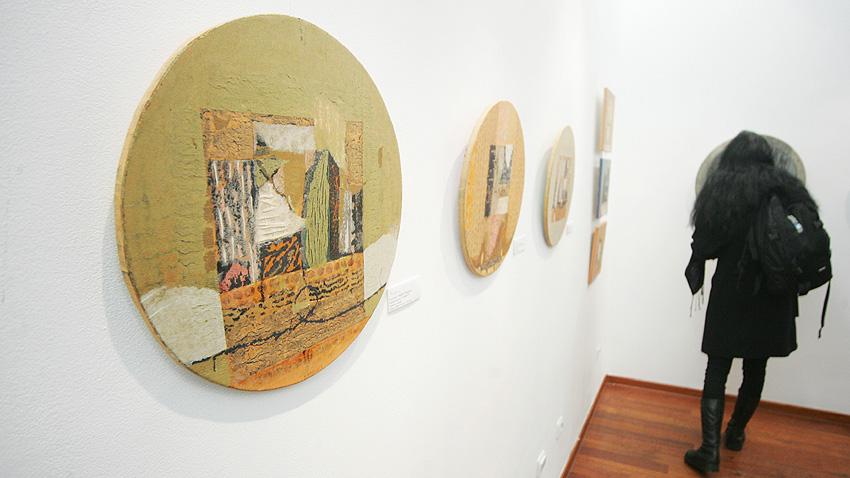 """""""Осветени пътеки"""" на художника Йордан Парушев (2011 г.)"""