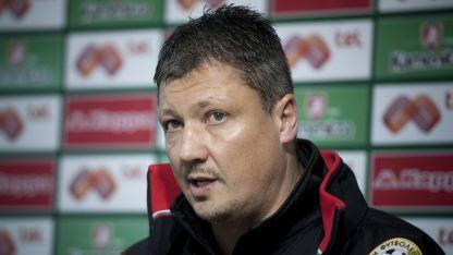 Любослав Пенев: Ще подходим различно към двата мача