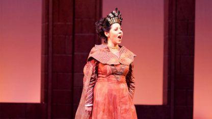 Цветелина Василева като Турандот на сцената на Софийската опера