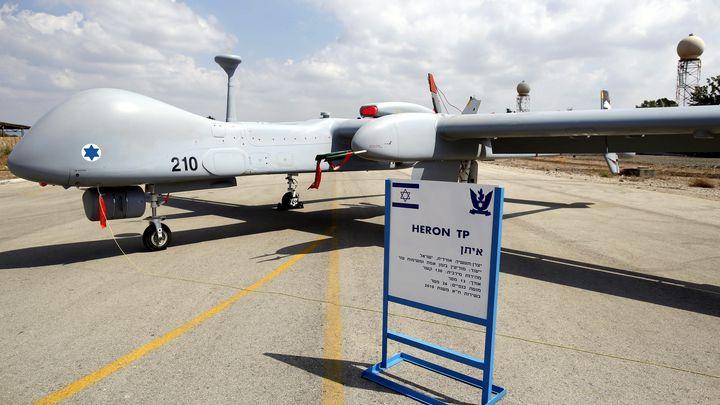 """Израелски разузнавателен дрон """"Херон Ти Пи"""", който може да бъде въоръжен с ракети."""