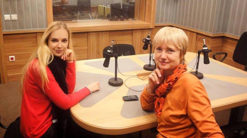 """Зорница Иларионова (вляво) и Аделина Александрова в студиото на """"Предаване без име"""""""