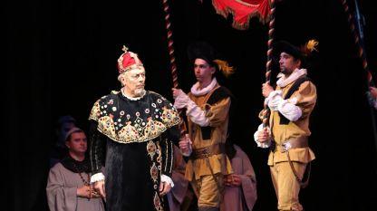Феручо Фурлането в ролята на Филип II