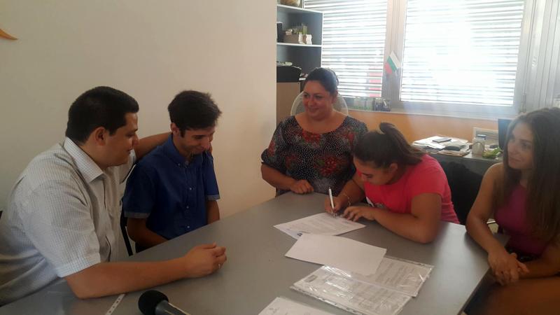През юли бяха подписани договорите за изпълнение на одобрените проекти, които се финансират от Младежка банка- Видин.