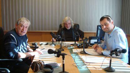 Димитър Бежански, Любомир Методиев и инж. Васил Василев в студиото на предаването (отляво надясно).