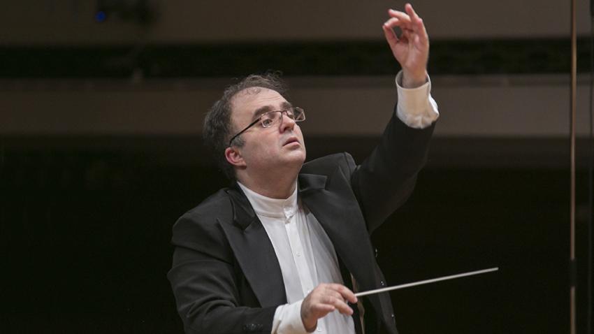 Диригентът Найден Тодоров, снимка: Василка Балевска