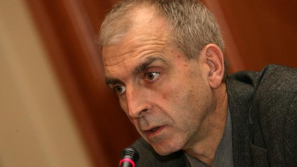 проф. Ивайло Дичев