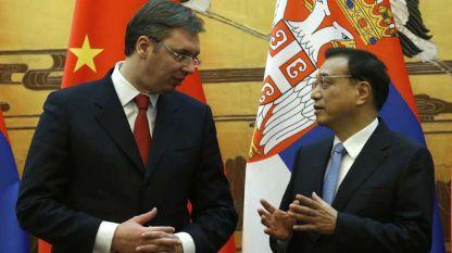 Сръбският президент Александър Вучич и китайският премиер Ли Къцян на една от срещите им.