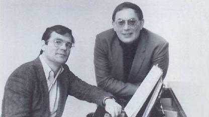 Антон Дяков (на снимката вдясно)