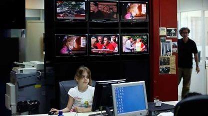 Бедствието се случва в телевизионните новини, посочват децата, но понякога самата телевизия е бедствие...