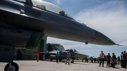 самолети F-16 и