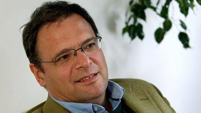 Министърът на околната среда и водите Юлиян Попов