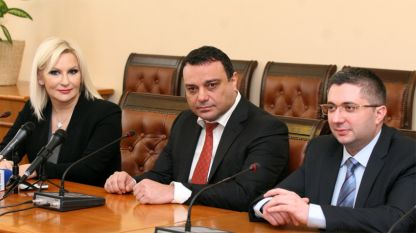 (L to R) Deputy Prime Minister of Serbia Zorana Mihajlović, Transport Minister Nikolay Moskovski and Regional Development Minister Nikolay Nankov