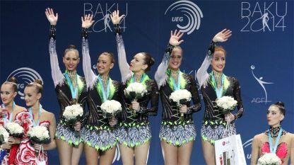 Ансамбълът на България със златните медали на бухалки от Европейското първенство в Баку.
