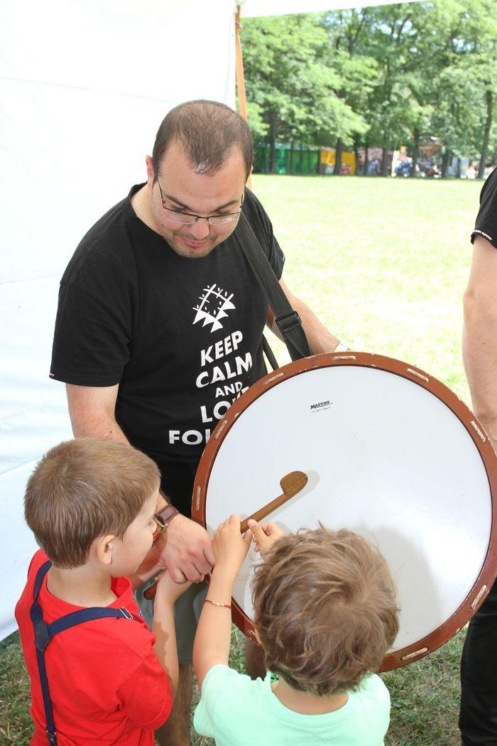 """Програмата за деца на 17 юни започва в 10.00 ч. с """"Музикално образователно ателие - красотата на човешкия глас"""", организирано от Музикална къща на БНР."""