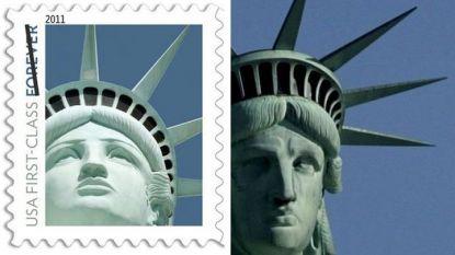 Марката със снимка на Статуята на свободата в Лас Вегас и оригиналът в Ню Йорк.