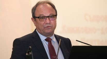 Юлиан Ревалски