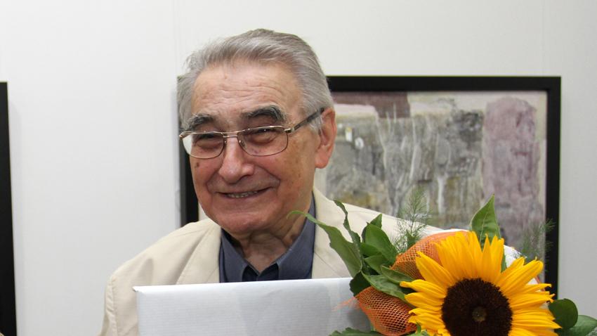 Днес България се прощава с бележития художник и общественик Светлин