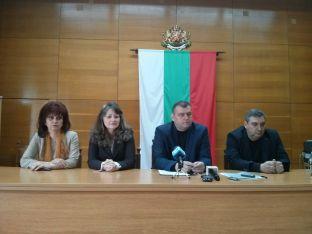 Отляво надясно: Даниела Телбизова,Спасена Драготинова,Красимир Георгиев, Димитър Христов