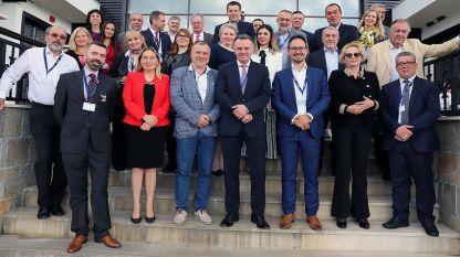 На срещата на обществени медии от Югоизточна Европа, организирана от Българското национално радио, взеха участие представители на Албания, България, Босна и Херцеговина, Гърция, Косово, Македония, Румъния, Словения, Сърбия, Турция, Хърватия и Черна гора