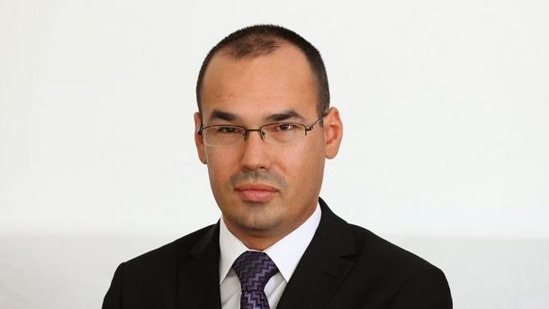 Никола Миладинов