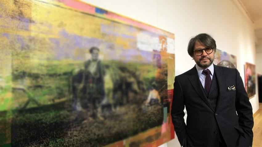 Хубен Черкелов осмисля минало и съвремие чрез старинни картини и банкноти -  Култура