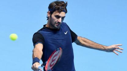Роджър Федерер загуби сет, но победи Нишикори на турнира в Лондон