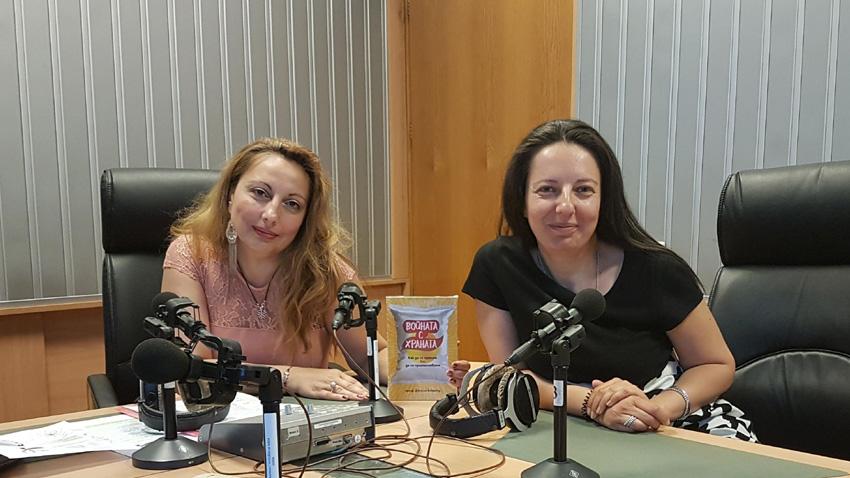 """Психотерапевтът Детелина Стаменова (вдясно) и Мария Мира Христова в студиото на сутрешния блок на програма """"Христо Ботев"""""""