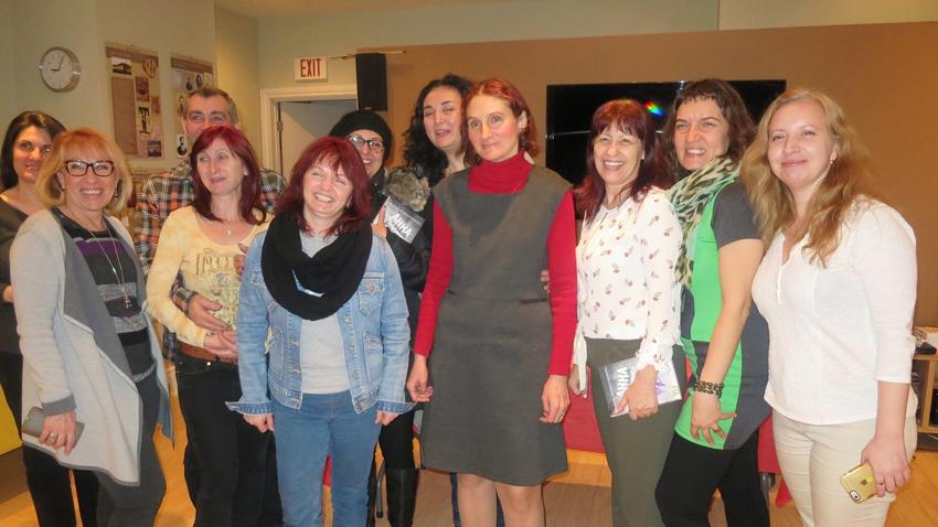 Μετά την παρουσίαση του βιβλίου «Η Άννα και το βουνό» στο Τορόντο. Φωτογραφία: Γιάνα Γκεοργκίεβα