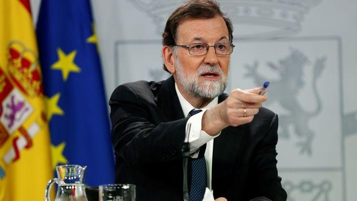 Испанският премиер Мариано Рахой заяви на специално свикана пресконференция в Мадрид, че отхвърля натиска за предсрочни избори.