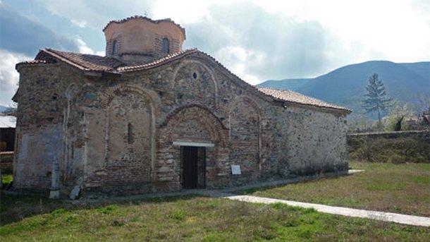 """Средновековната църква """"Св. Димитър"""" в село Паталеница"""