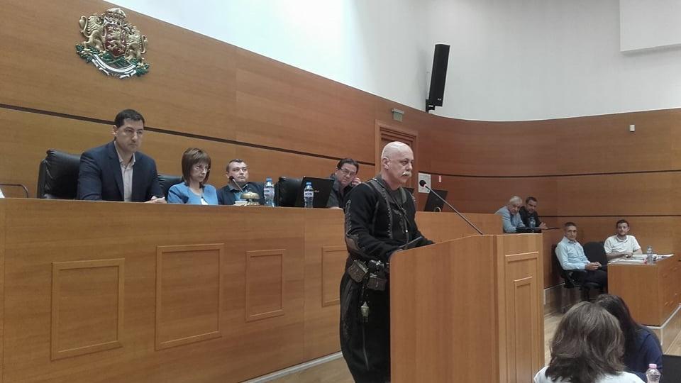 Иван Тонев говори пред общинските съветници