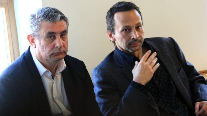 Владимир Клисуров (вдясно) и Румен Русев на заседанието на Столичния общински съвет.