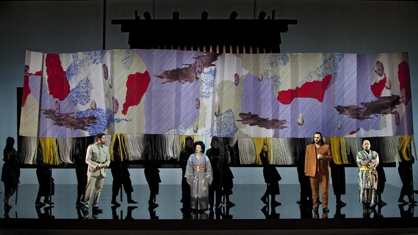 Сцена от операта.