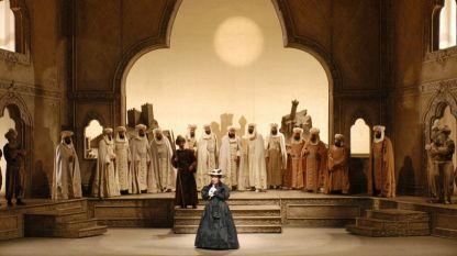 """Сцена от """"Италианката в Алжир"""" от Джоакино Росини в Метрополитън опера"""
