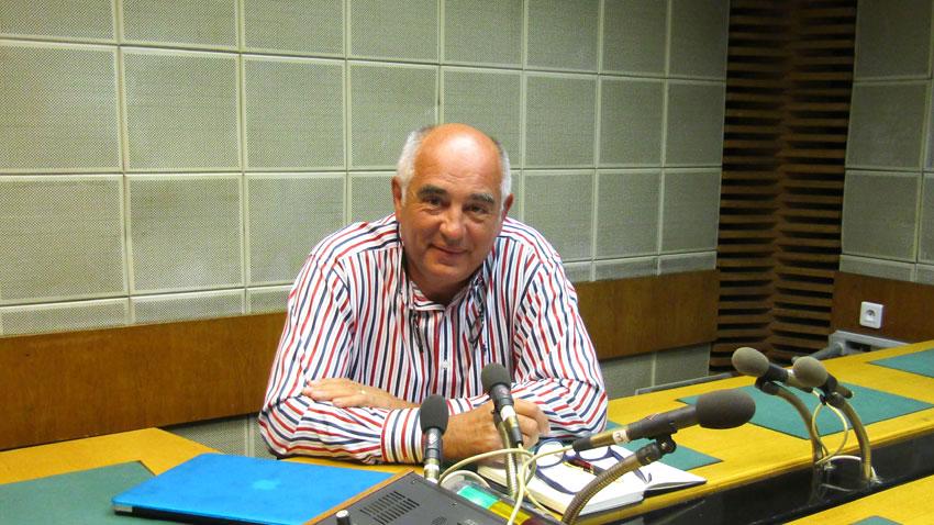 Кирил Калев в студиото на предаването.