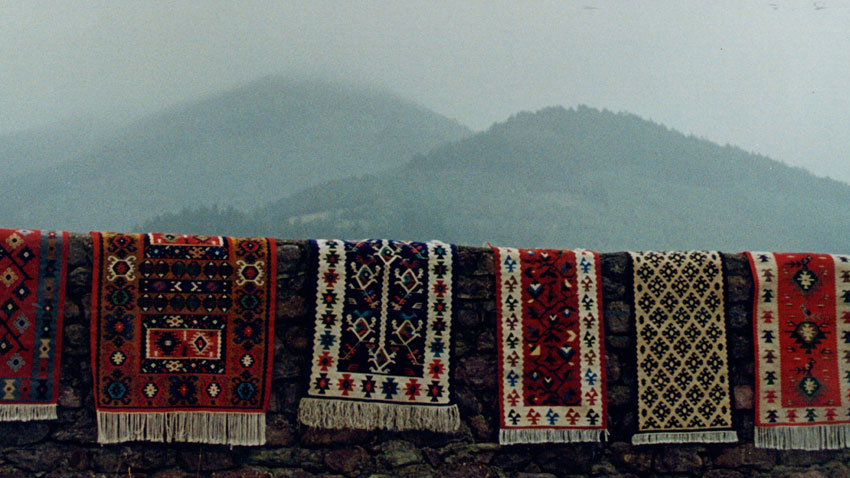 In this way, we will look for analogies with the carpets of the East, keeping in mind that the word we use for this type of fabric ('kilim') had come from ...