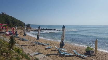 Плаж край Златни пясъци-Варна