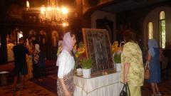За поклонение по време на тържествена литургия във Видин беше поставена чудотворната икона на св. Пантелеймон