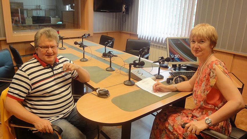 """Цигуларят Мичо Димитров – специален гост в """"Предаване без име""""."""