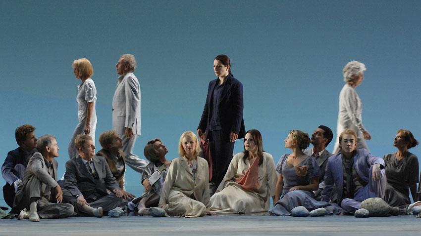 """Сцена от операта """"Орфей и Евридика"""" от Глук, изпълнена на фестивала в Залцбург - 2010 под диригентството на Рикардо Мути."""