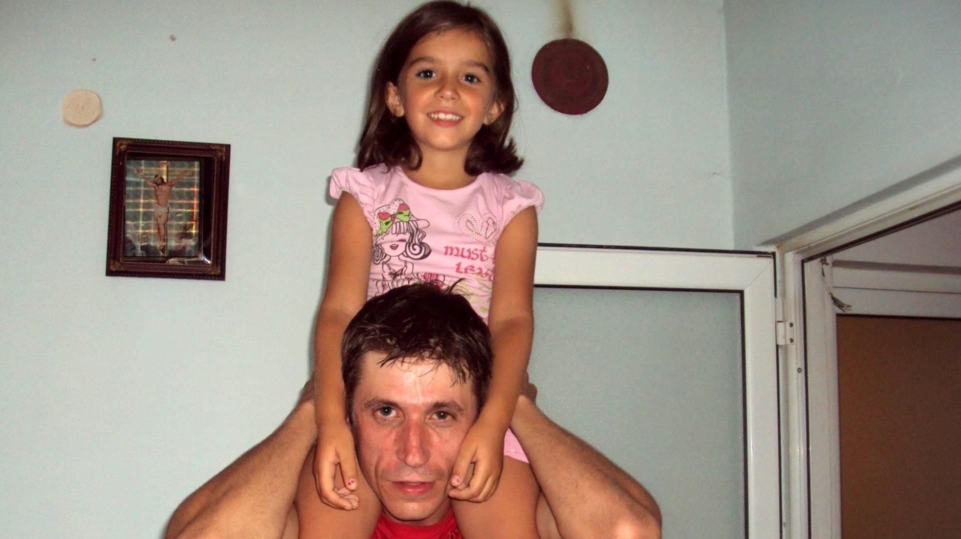 Загиналият в Горни Лом Емил Илиев с дъщеря си Анна-Мария