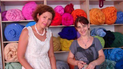 Ekaterina und ihre Mitarbeiterin Mergül