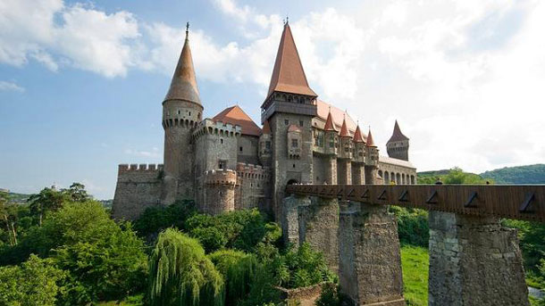 Замъкът Хуняди, Румъния