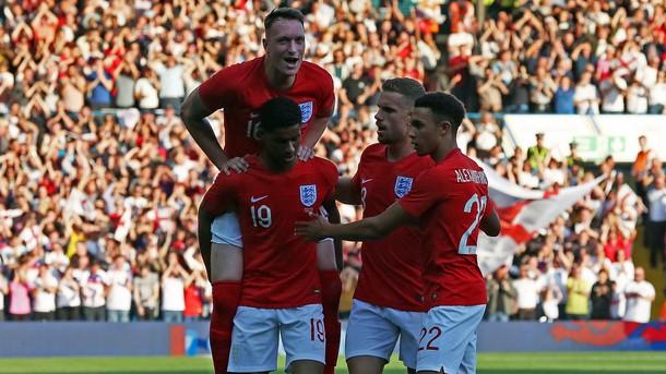 Националният отбор на Англия победи Коста Рика с 2:0 в