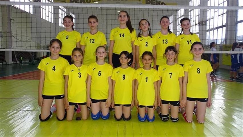 """Клуб """"Тони спорт"""" в Берковица от няколко години е сред най-добрите детски отбори по волейбол в страната."""